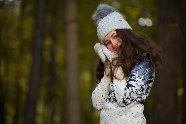 Красный свитер с оленями в Москве